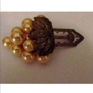 30s  Fur  Clip Golden Cluster of pearl Grapes